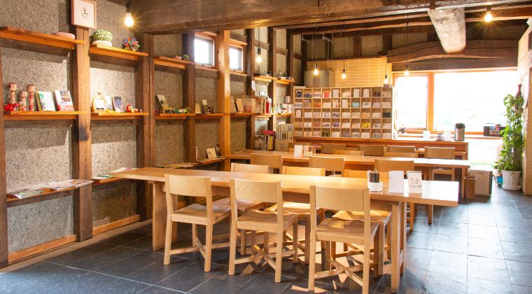 http://hajimari-ac.com/img/enjoy/cafe_img.jpg